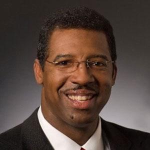 UTSA Online professor Tom Mitchel