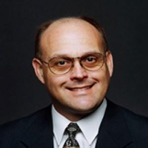 Michael Noll, professor teaching Facilities Management Professional Trends courses at UTSA Online